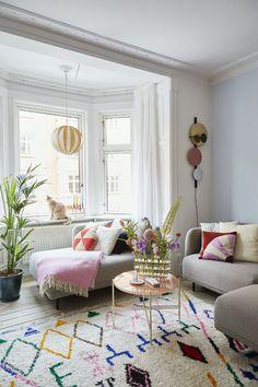 Family Apartment, Apartment Design, Studio Apartment, Room Colors, House Colors, Copenhagen Apartment, Madrid Apartment, Stockholm Apartment, Couch Magazin