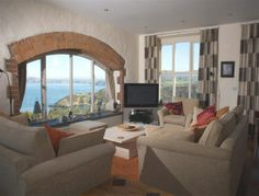 Stunning, ever changing sea views over Lower Town harbour and Fishguard Bay can be enjoyed from this fantastic property which is ideally situated in a quiet location in the town of Fishguard, north Pembrokeshire.  Fishguard has a good selection of places to eat and drink and a good variety of small shops selling most things you could possibly need.