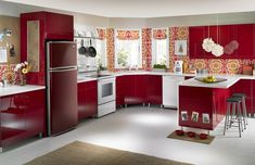 Time to buy a refrigerator for your home? HouseLogic's refrigerator buying guide has advice and tips to get an efficient long-lasting fridge.