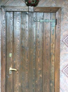 Дверь из массива , Брошированная . Сайт для заказов rootart.ru , заказ по телефону 84955180230