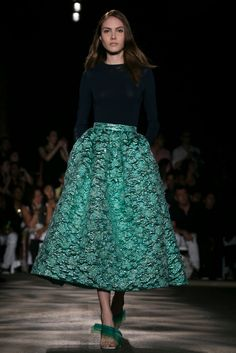 A look from the Christian Siriano Spring 2015 RTW collection. #format #skirt #trendyformat