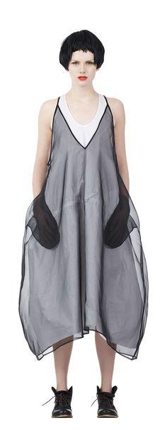 Salta SS 2015 / YES to sheer black over white Fashion Details, Boho Fashion, Fashion Show, Womens Fashion, Fashion Design, Fashion Trends, Quoi Porter, Organza, Bohemian Mode