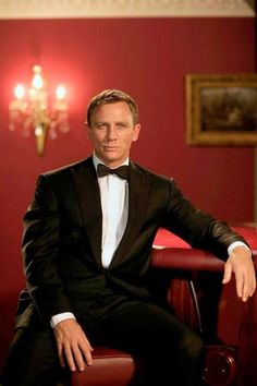 James Bond... No, Daniel Craig