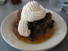 Bread pudding at King Neptune's Seafood Restaurant in Gulf Shores, Alabama. Food roundup reviewing restaurants in Alabama with photos, addresses and links.