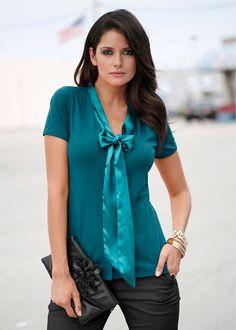 Blusa de malha esmeralda-escuro encomendar agora na loja on-line bonprix.de  R$ 39,90 a partir de Blusa de laço fashion, com fitas de cetim aplicadas para ...