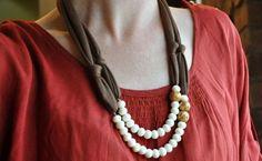 Aprenda a fazer colares de tecido e incremente seus looks com colares que têm a sua cara.