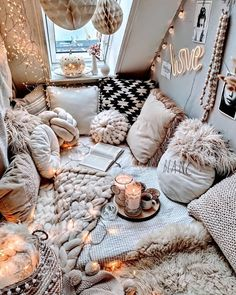 Bohemian Latest And Stylish Home decor Design And Life Style Ideas - Bohemian Home Bedroom Cute Bedroom Ideas, Room Ideas Bedroom, Book Corner Ideas Bedroom, Stylish Home Decor, Cozy Room, Aesthetic Rooms, Dream Rooms, My New Room, House Rooms