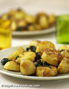 Curry de pommes de terre aux épinards - les meilleures recettes de cuisine d'Ôdélices