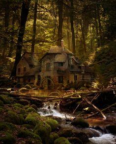 Antigua casa de Mill en el Bosque Negro, Alemania, tan tranquilo mirando, lo que es un gran lugar para ir y crear!