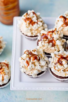 Babeczki czekoladowe z solonym karmelem | Moje Wypieki Krispie Treats, Rice Krispies, Cake Pops, Food And Drink, Cookies, Breakfast, Biscuits, Morning Coffee, Cakepops