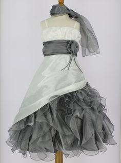 http://www.boutique-magique.fr/robe-ceremonie-mariage-enfant-23g