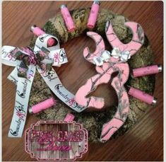 Another pink Realtree camo Browning Buckmark inspired BLING Country Girl wreath! Finished off with matching bow and some spent pink shotgun shells! This is a must have for any Country girls bedroom. Baby Shower Camo, Girl Shower, Baby Shower Themes, Baby Shower Gifts, Shower Ideas, Baby Boys, Camo Wreath, Camo Rooms, Camouflage Bedroom