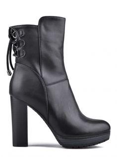 Dámské kotníkové boty na podpatku TENDENZ - černá acb54a7420