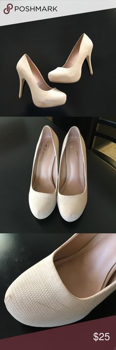 """🎊 HP 1-26🎊Mix NO 6. Cream Pumps. Size 8.5. Have been worn multiple times. Heel Height 4.5"""". Small black marks that can probably be removed. Comes from a pet/smoke free home. Make me a offer!!! Mix No. 6 Shoes Heels"""