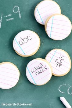 Back to school cookies: Decorate notebook cookies you can actually write on with food coloring pens. Royal icing, cut-out sugar cookies. Back To School Party, Back To School Crafts, School Parties, Abc School, School Fun, School Ideas, Cookie Decorating, Decorating Tips, Treats
