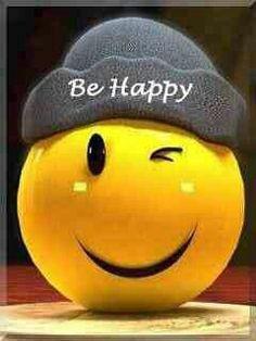 I love smiley faces.a lot of times I put one next to my name. Smiley Emoji, Smiley T Shirt, Emoji Faces, Smile Wallpaper, Emoji Wallpaper, Just Smile, Smile Face, Be Happy And Smile, Happy Dp
