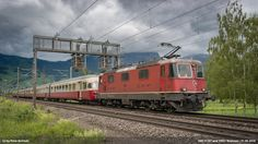 https://flic.kr/p/HGXsM4 | SBB 11197 and 1053 | SBB Re 4/4 II 11187 is hauling the RAe 1053 TEE Gottardo to Erstfeld. This great train is a part of the public event on June 4th and 5th, 2016, see www.gottardo2016.ch/en.