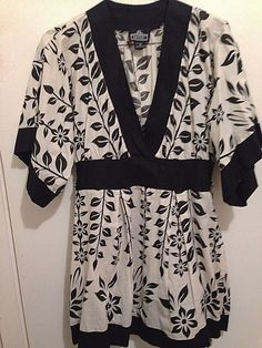 Woman's medium kimono-style black and white tunic 100% cotton, Angie brand sexy #Angie #Tunic #Casual