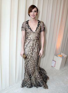 Emma Roberts | 21 Celebs Who Rocked Incredible Oscar de la Renta Gowns