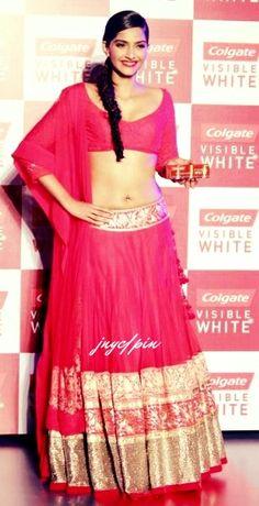 Sonam Kapoor Romance Red by Manish Malhotra Indian Look, Indian Style, Sonam Kapoor, Indian Attire, Indian Wear, India Fashion, Asian Fashion, Indian Dresses, Indian Outfits