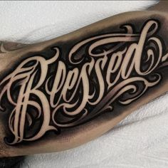 Tattoo Lettering Design, Chicano Lettering, Sketch Tattoo Design, Graffiti Lettering, Tattoo Fonts Alphabet, Alphabet Tattoo Designs, Chicano Style Tattoo, Realistic Rose Tattoo, Letras Tattoo