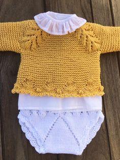 tutorial puntomoderno.com #diy #como tejer jersey de bebé #how to knit baby jersey Crochet For Boys, Knitting For Kids, Baby Knitting Patterns, Crochet Baby, Knit Crochet, Knitted Baby Cardigan, Knitted Baby Clothes, Crochet Socks Tutorial, Diy Crafts Knitting