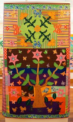 "Quilt from the Taylor-Jensen Fine Arts Gallery exhibit, ""Celebration! The Art of Caohagan Island Quilting"".   Manawatu 2015 quilt symposium, photo by Martha Wolfe."