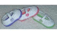 Star Stitch Baby Mary Jane Shoes PDF Crochet Pattern by Easy Creations.