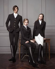The most important role of equestrian clothing is for security Although horses can be trained they can be unforeseeable when provoked. Riders are susceptible while riding and handling horses, espec… Men's Equestrian, Equestrian Outfits, Equestrian Fashion, Looks Teen, Elegant Man, Advanced Style, Horse Riding, Riding Boots, Cowgirl Boots