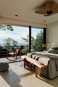 best bedroom balcony decor ideas you are looking for page 5 Modern Master Bedroom, Dream Bedroom, Home Bedroom, Bedrooms, Bedroom Furniture, Home Interior Design, Interior And Exterior, Bedroom Balcony, Suites