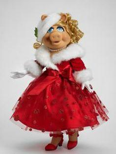 Miss Piggy wishing all a Merry Christmas Miss Piggy, Danbo, Fraggle Rock, Paisley, Kermit The Frog, Kermit Face, The Muppet Show, Muppet Babies, Jim Henson
