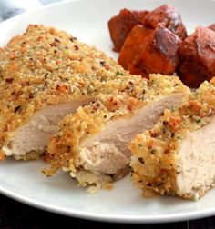 Quinoa-crusted chicken, baked not fried, for a healthy and delicious dinner! Use leftover quinoa if you have it for an easy meal. - Everyday Dishes & DIY
