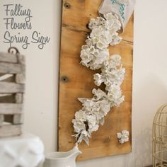 You have to see this tutorial on how to make #DIY falling flowers spring sign #HomeDecorIdeas @istandarddesign