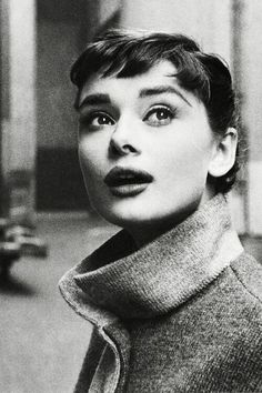 "Audrey Hepburn photographed by Mark. vintagegal: "" Audrey Hepburn photographed by Mark Shaw, 1953 ""vintagegal: "" Audrey Hepburn photographed by Mark Shaw, 1953 "" Divas, Style Audrey Hepburn, Audrey Hepburn Bangs, Cinema Tv, Portraits, Kate Moss, Vintage Beauty, Classic Hollywood, Old Hollywood Style"