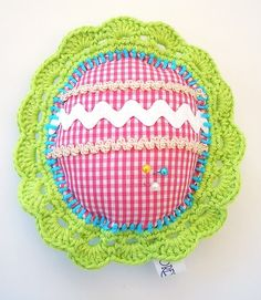 Pincushion chic. It can be used to place your pins and needles, also as a decoration at home or prepare it in a package to give to your friends.  ...