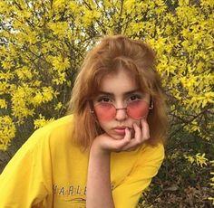 yellow, girl, and aesthetic image Art Hoe Aesthetic, Aesthetic Clothes, Aesthetic Yellow, Aesthetic Memes, Aesthetic People, Aesthetic Colors, Pretty People, Beautiful People, Francoise Gilot