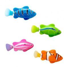 Roboterfische, bewegen sich selbstständig, wenn man sie ins Wasser setzt. Ein Sommerspaß für Salonlöwen.