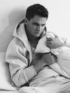 """Jeremy Irvine is a british actor, most known for his role in Steven Spielberg's """"War Horse"""" and many more like """"Now Is Good"""". He'll be in the upcoming """"Fallen"""" series. Jeremy Irvine, Cute Actors, Handsome Actors, Handsome Man, Now Is Good, Fallen Series, Taylor Swift Songs, Little Bit, Dream Boy"""