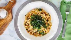Chilis-szardíniás spagetti ropogós petrezselyemmel