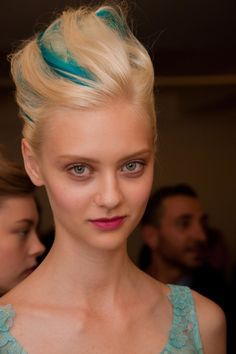 Bright Blue Streaks in White Blonde Hair - Nastya Kusakina at Oscar de la Renta SS 2013 New York hair
