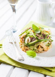 """САЛАТ """"ЧАФАН"""" ПО-ЧЕШСКИ  Вкусный и сытный салат с пикантным вкусом. Особенно понравится любителям мяса!  http://www.koolinar.ru/recipe/view/121981"""
