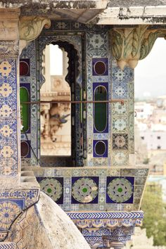 Beauty of India Tours | India Private Drive Tours Your Delhi, Rajasthan and North India Specialist  visit us at: www.beautyofindiatours.com  The City Palace, Udaipur, Rajasthan