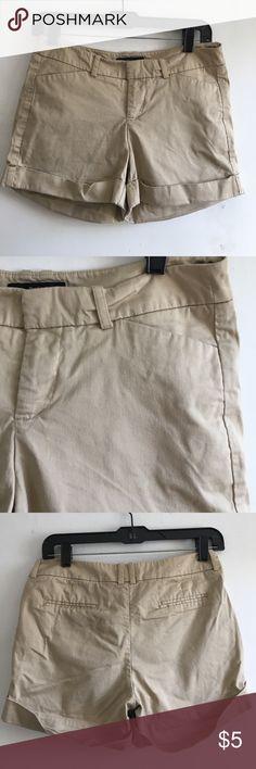 Classic khaki Shorts 💖 Closet Essential! Good pair of cotton shorts! 98% cotton & 2% spandex. 🌿💙🌿💙🌿 Mossimo Supply Co. Shorts