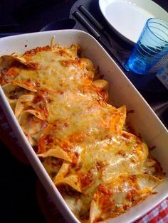 Hertsun elämää: Enchiladas wau! Pork Recipes, Snack Recipes, Cooking Recipes, Recipies, Food N, Food And Drink, Salty Foods, Food Tasting, Everyday Food