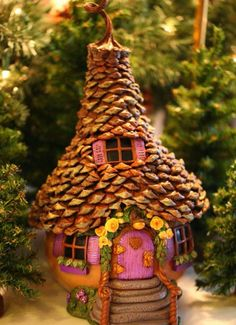 You are going to love these Gourd Fairy Houses Garden Ideas and we have rounded up the top Pinterest Pins. Watch the video too!