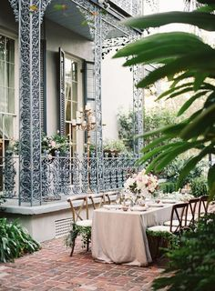 greens at bottoms of chairs-------------------------------------------14 Totally Dreamy New Orleans Wedding Ideas via Brit + Co