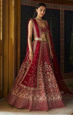 Wedding Lehenga Designs, Designer Bridal Lehenga, Indian Bridal Lehenga, Indian Bridal Outfits, Indian Bridal Fashion, Indian Bridal Wear, Indian Designer Outfits, Bridal Dresses, Indian Fashion Modern