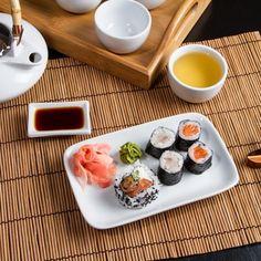 Zum Sushi wird traditionell grüner Tee getrunken