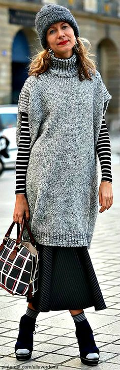 Combination of stripes, check Black & Grey