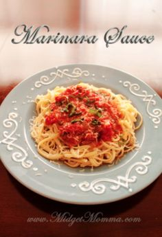Easy Homemade Marinara Sauce Recipe Perfect for Pasta Night! Clean Eating Recipes, Lunch Recipes, Real Food Recipes, Great Recipes, Dinner Recipes, Healthy Eating, Yummy Food, Favorite Recipes, Amazing Recipes